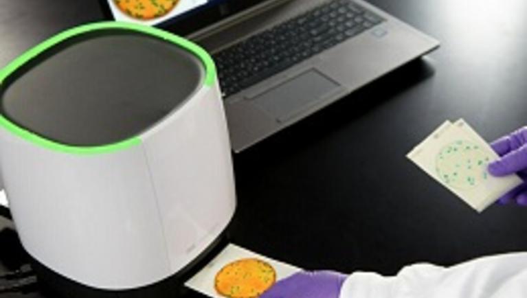 3m™ petrifilm™ plate reader advanced